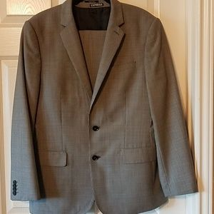 Other - Express Photographer 3 pc  classic suit
